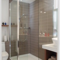 11-shorehouse-shower-room